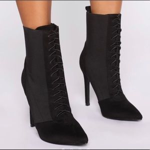 🖤New Fashion Nova Black Ankle Boots/Heels🖤